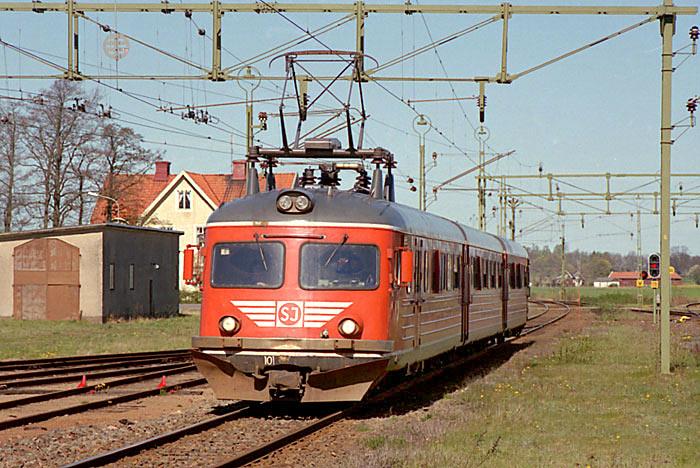 0F952F8A-0E7F-49CA-B6F4-A291E1CF2643